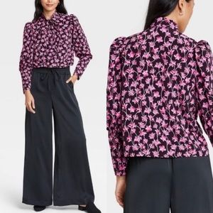 Who What Wear Floral Button Down Size L